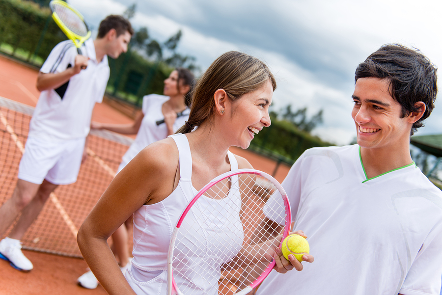 how to avoid injury playing tennis